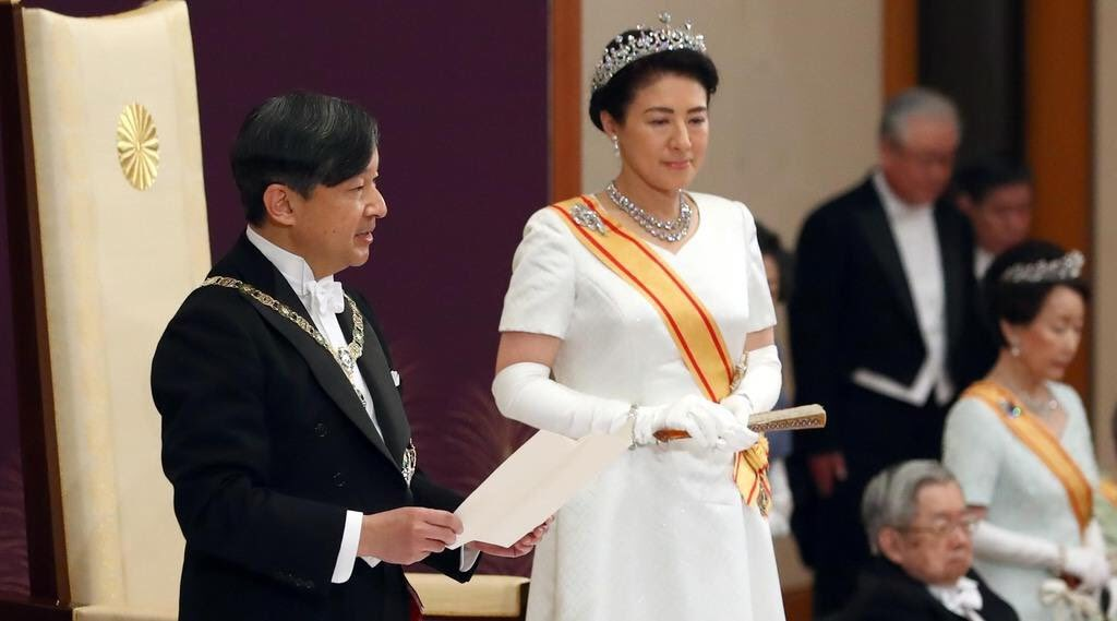 皇后雅子さまの白ドレスはローブデコルテ?モンタント?値段やデザイナーも調査! , 子供に尽くしすぎて毎月お小遣いが底をつく3児の父親のブログ